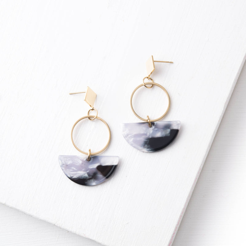 Ivy Gray Resin & Gold Dangle Earrings