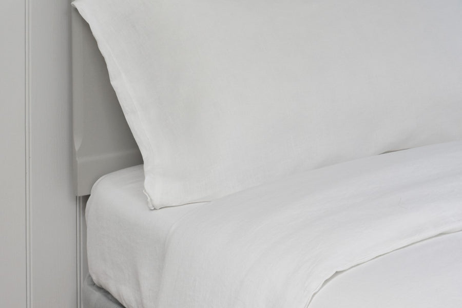 White Fitted Sheet in Washed Linen