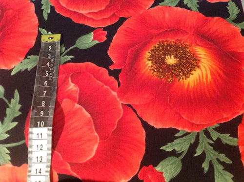 Quilting cotton - Large poppy  (price per half metre)