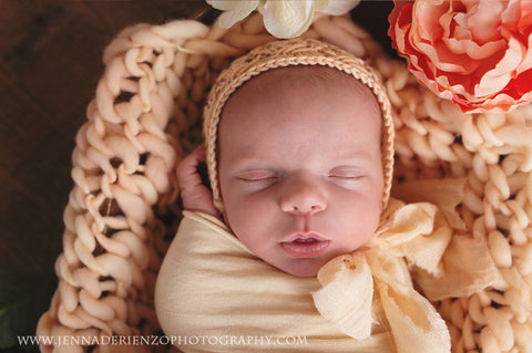 Arrow blanket | Peach - Peach Stitch Photography Props
