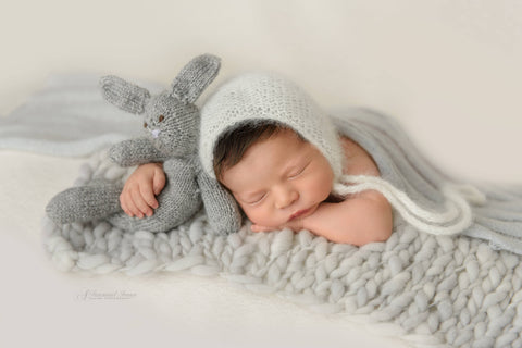 Arrow blanket | Silver - Peach Stitch Photography Props