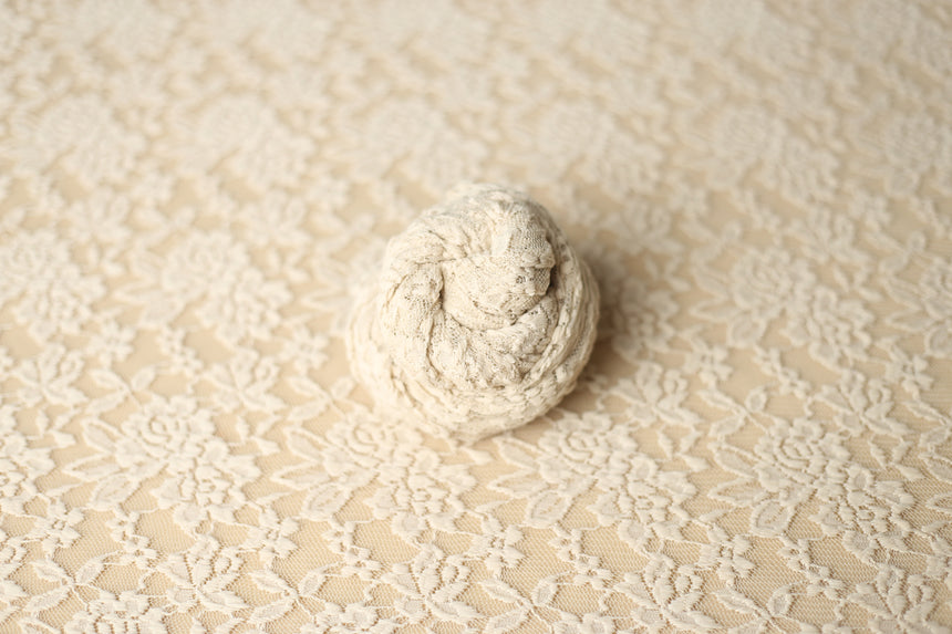 Creamy lace wrap and/or backdrop | Rosebud | RTS