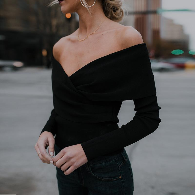 A Stylish V-Neck With An Off-The-Shoulder Knit Top