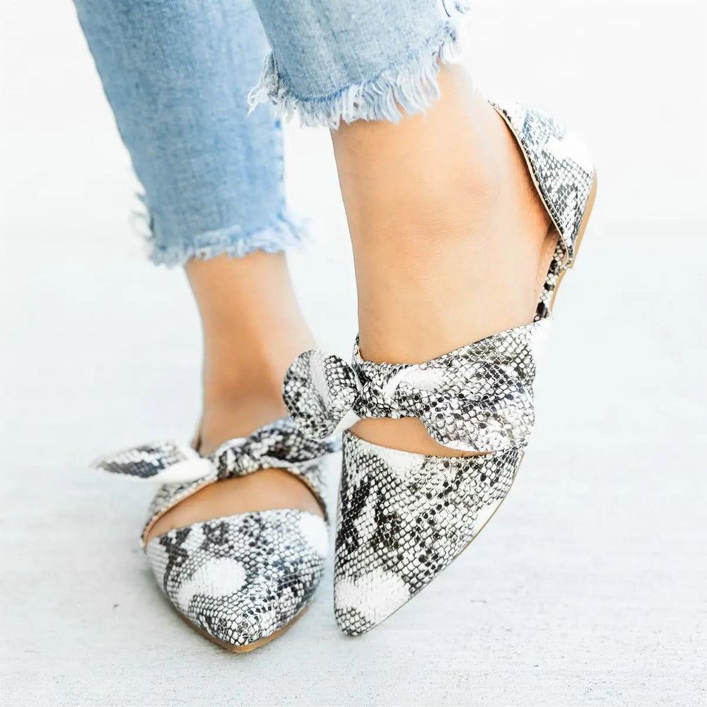 Fashion Pointed Head Plain Bow Decorated Sandal