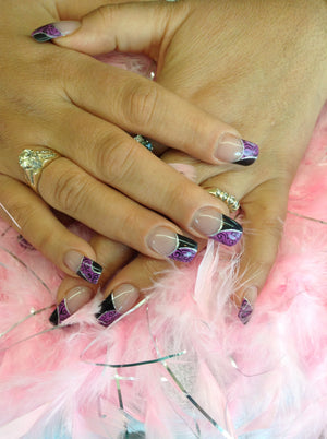 Nail Art Salon Style:  Hand Painted Nail Design