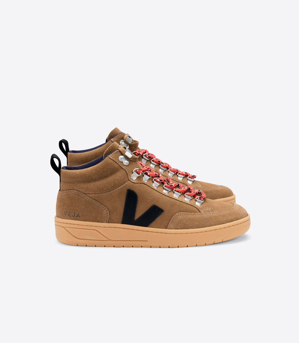 VEJA | RORAIMA SUEDE BROWN BLACK GUM SOLE