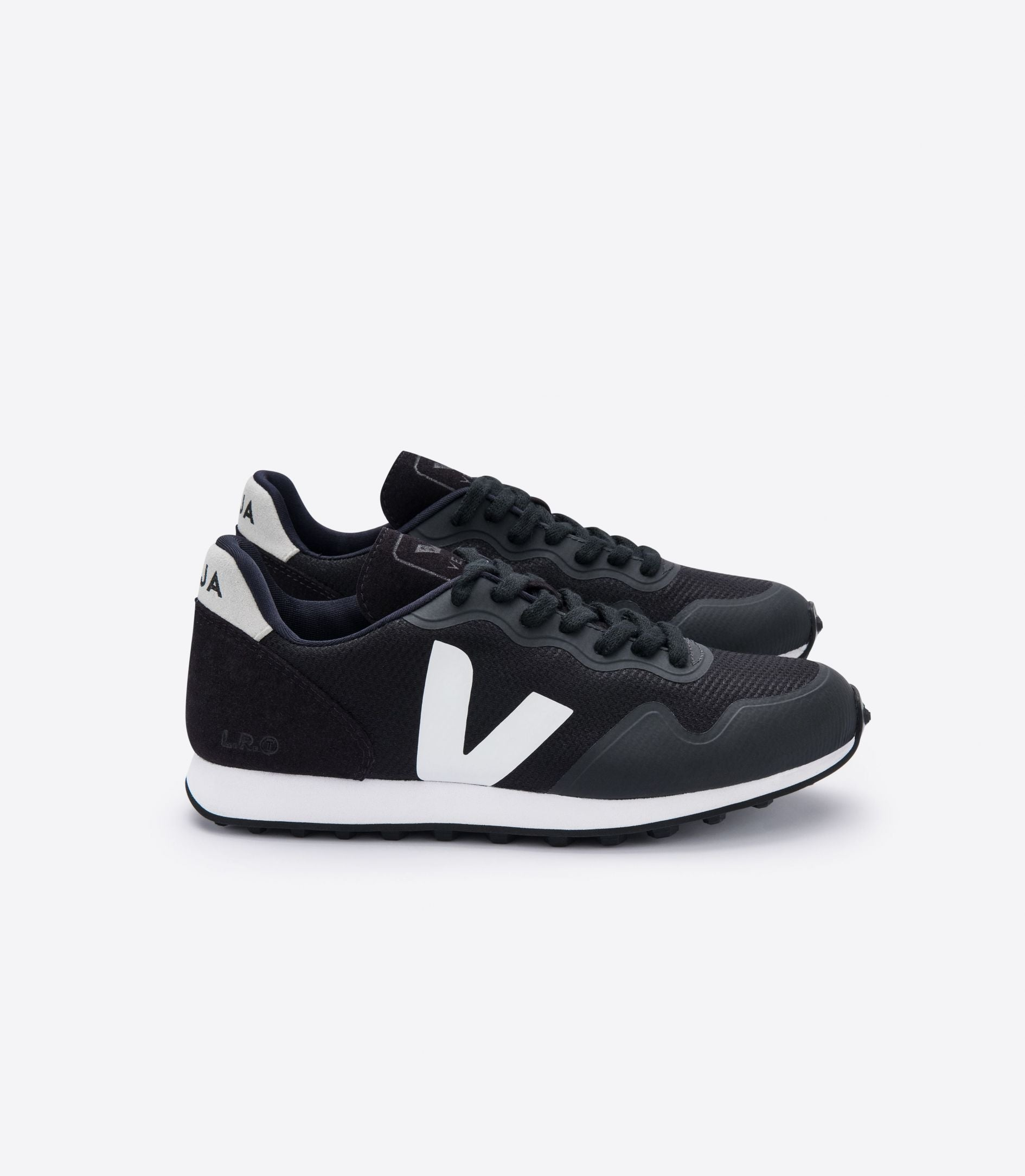 VEJA | SDU RT BLACK NATURAL