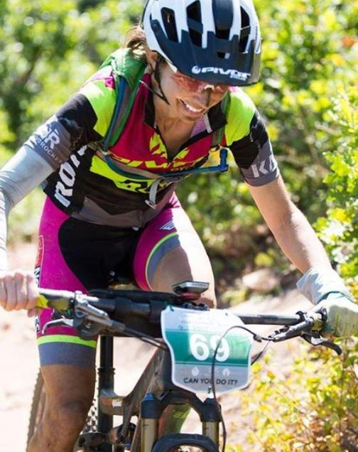 Jen Hanks Pearl Izumi / Pivot Mountain Bike Team Rider