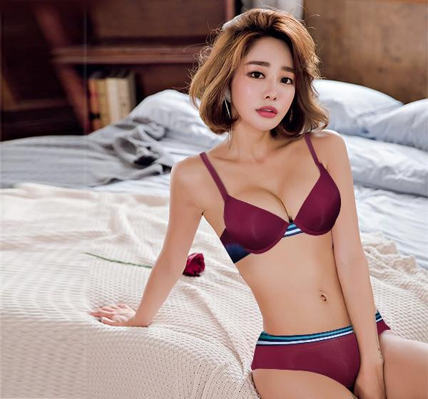 Glossy Push Up Underwired Padded Bra Panty Set for Women - Maroon