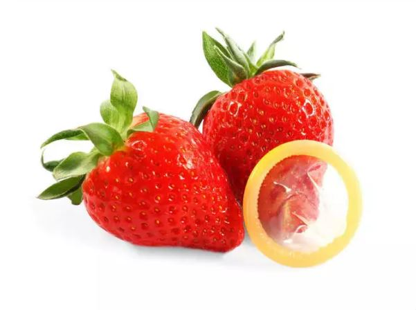 Josh Strawberry Flavored Condoms - Pack of 3