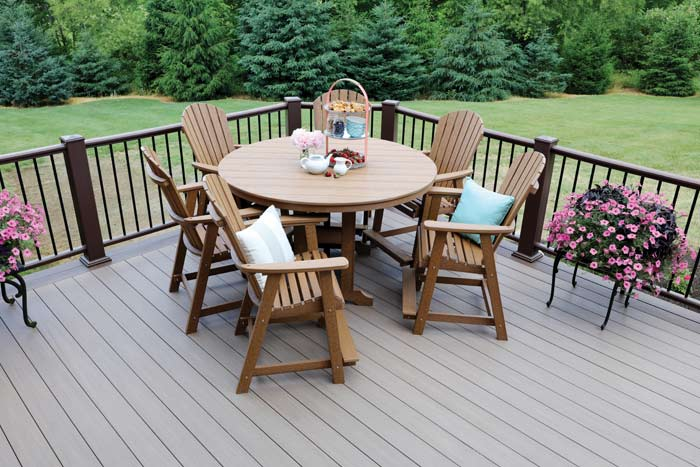 Classic Round Outdoor Dining Set
