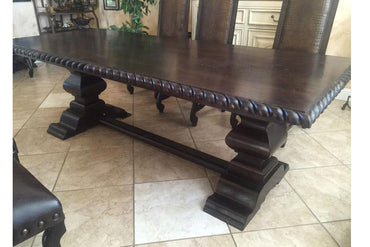 Renmore Dining Table