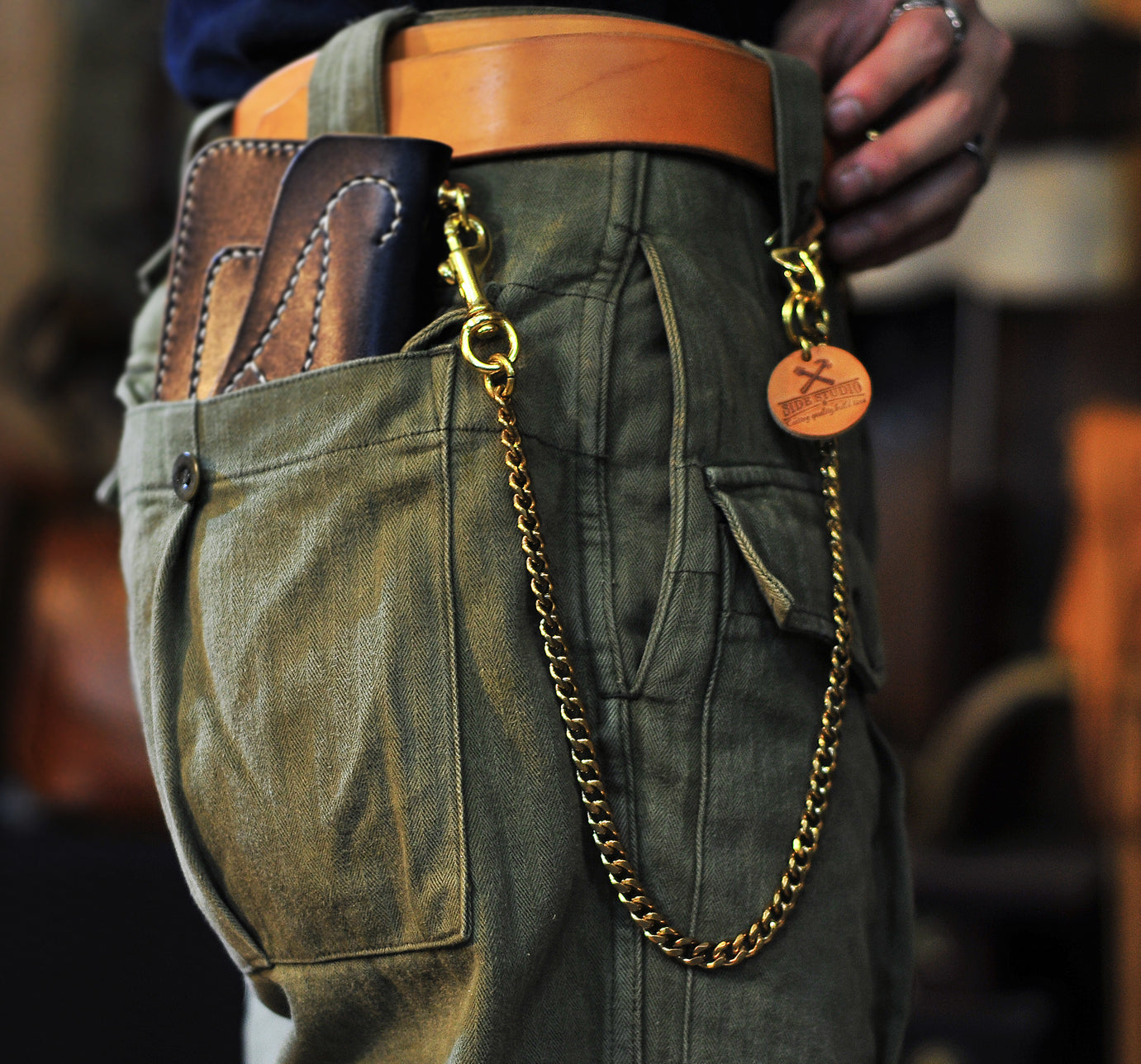 THe Second way to wear wallet chain