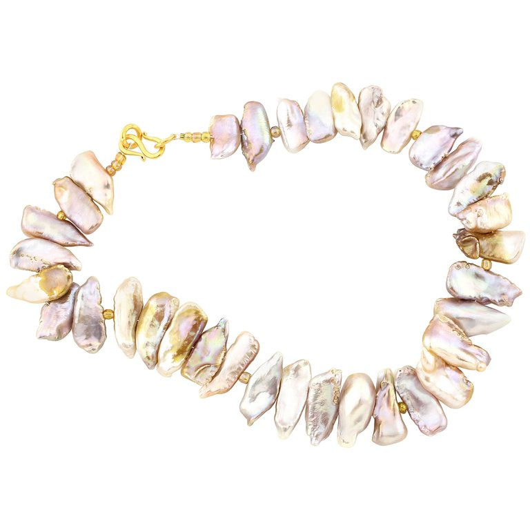 Cultured Fresh Water Pearls with Gold-Plated Clasp