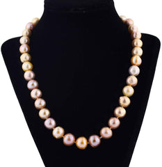 Goldy Tone Color Pearl Necklace