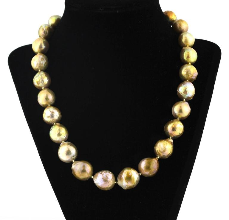 Elegant golden Pearl necklace
