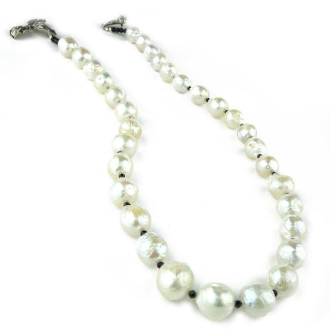 White Wrinkle Pearl Necklace