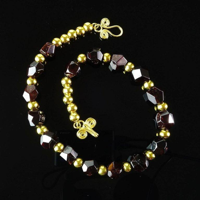 Gemjunky  Polished Red Garnet Crystals Accented with Gold Necklace