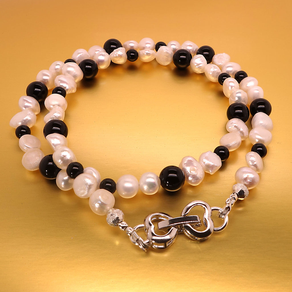 Versatile 15.5 Inch White Freshwater Pearl and Black Onyx Choker Necklace/Bracelet