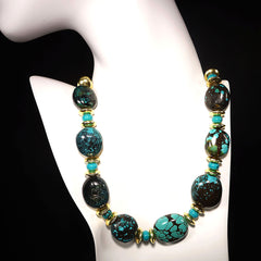 Gemjunky  Stunning Hubei Turquoise Necklace with Gold Accents