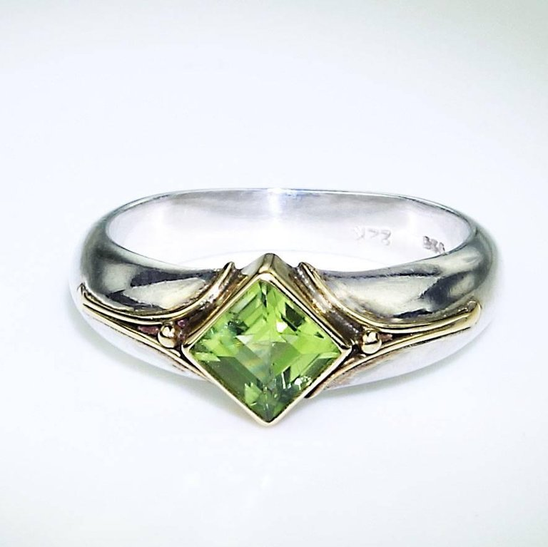 Sparkling Peridot in Sterling Silver Ring with 18K Gold accents