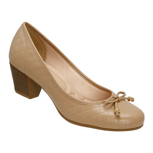 Azaleia Almond Toe Pumps