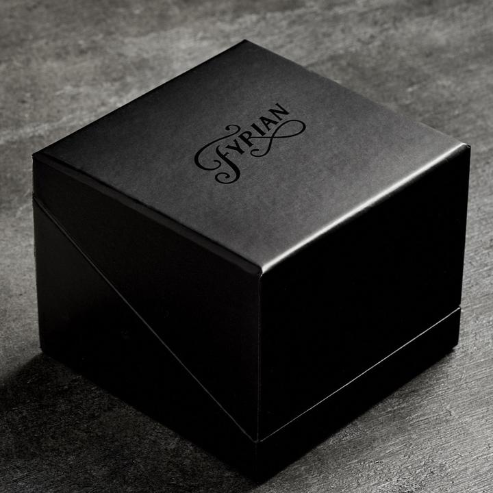 FYRIAN Black Leather Candle