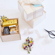 "Load image into Gallery viewer, The Little ""Truffle and Honey"" Gift Box"