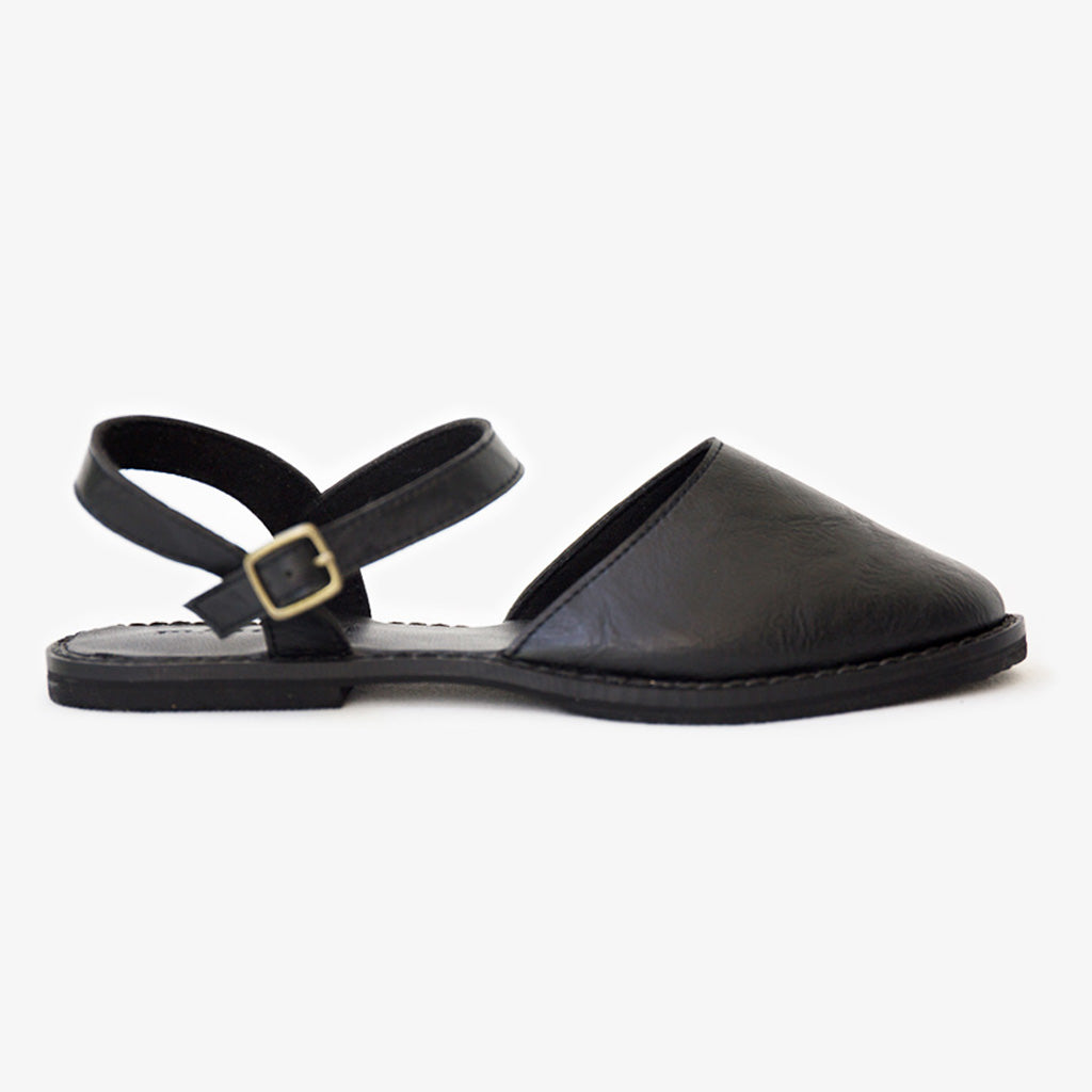 Flora sandal in black vegan leather