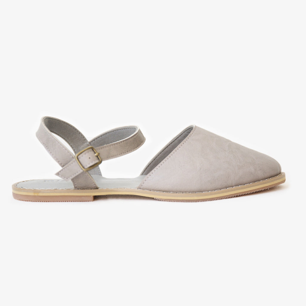 Flora sandal in textured grey vegan leather