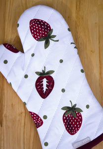 Online shopping casa decors set of apron oven mitt pot holder pair of kitchen towels in a unique berry blast design made of 100 cotton eco friendly safe value pack and ideal gift set kitchen linen set