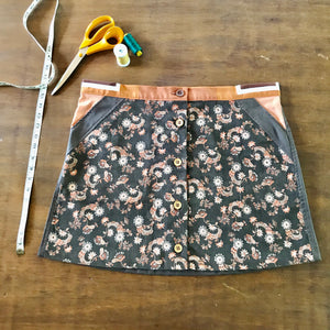Japanese button up skirt - size 14