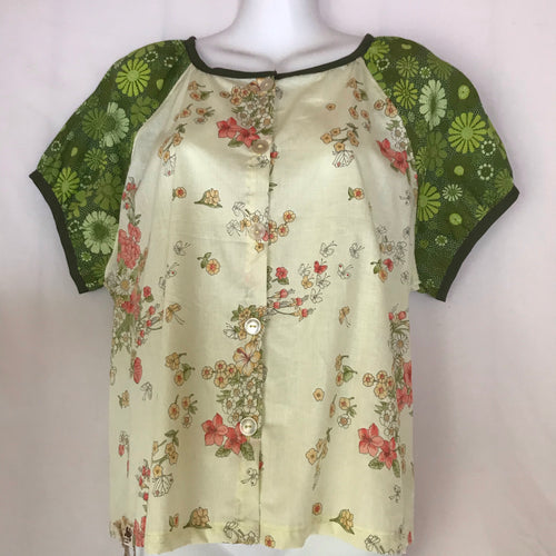 Women's button front blouse. Size 12