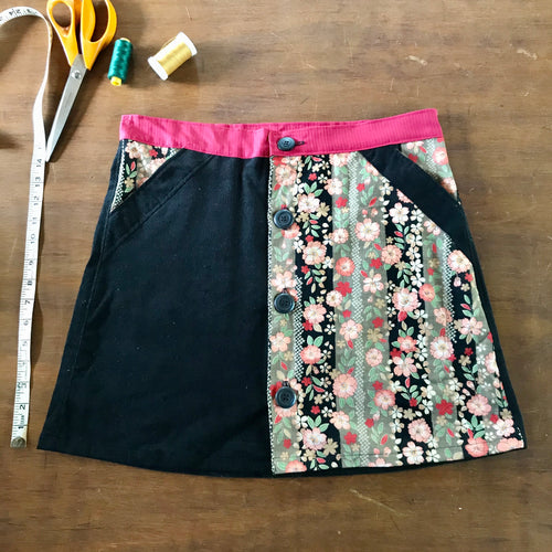 Japanese button up skirt - Size 10