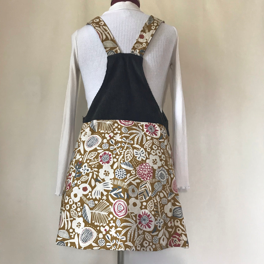 Pinafore. Size 12