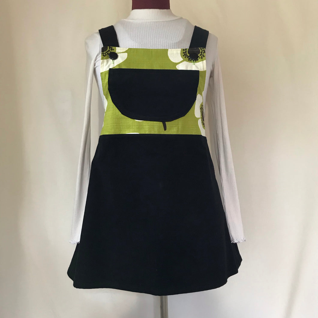 Pinafore. Size 10