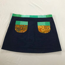 Japanese designed button up skirt - size 14