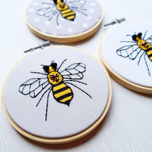 "Buzzin' Bee 4"" Hand Embroidery Kit"