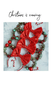 Baubles n Bells Wreath Ears