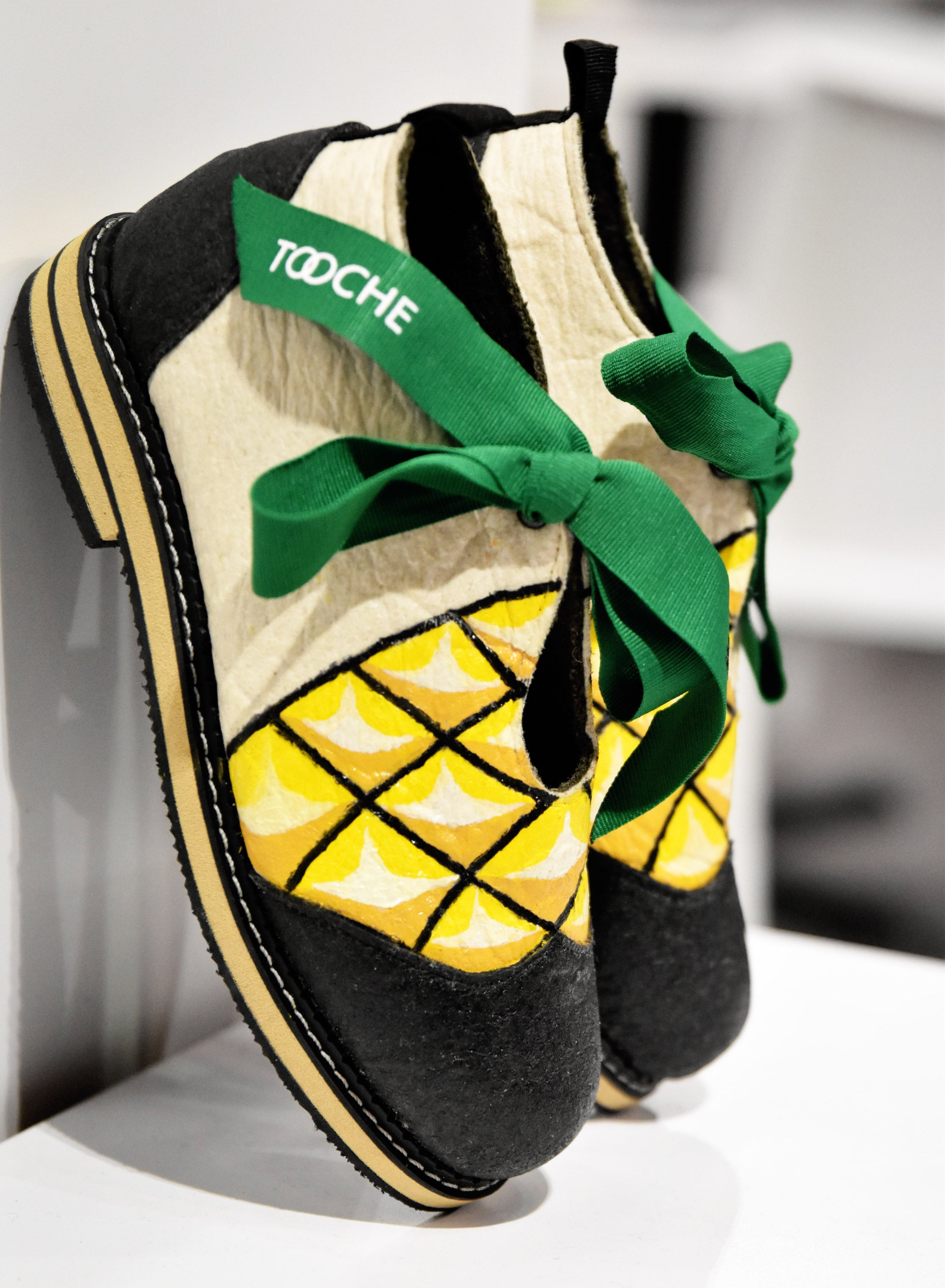 PINEAPPLE shoes (size 37)