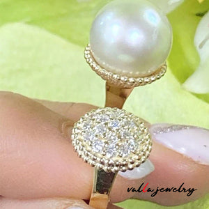 Cute Pearl and Diamond Lady's Ring