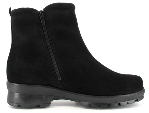 PINO Women's Pomar GORE-TEX® ankle boot with winter spike sole