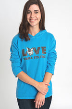 Dog Beach Hooded T-Shirt - Blue - The Stray Stitch