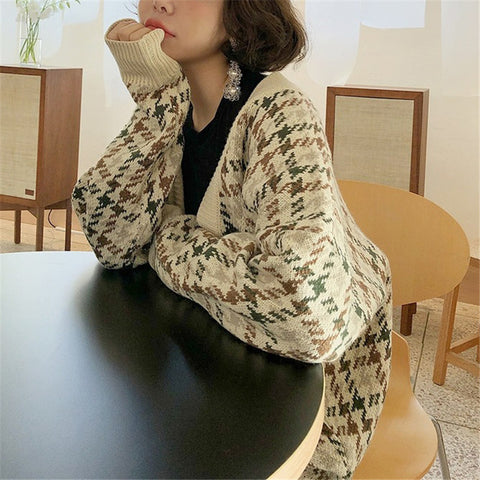 Japan and Korea Style V Neck Houndstooth Sweater
