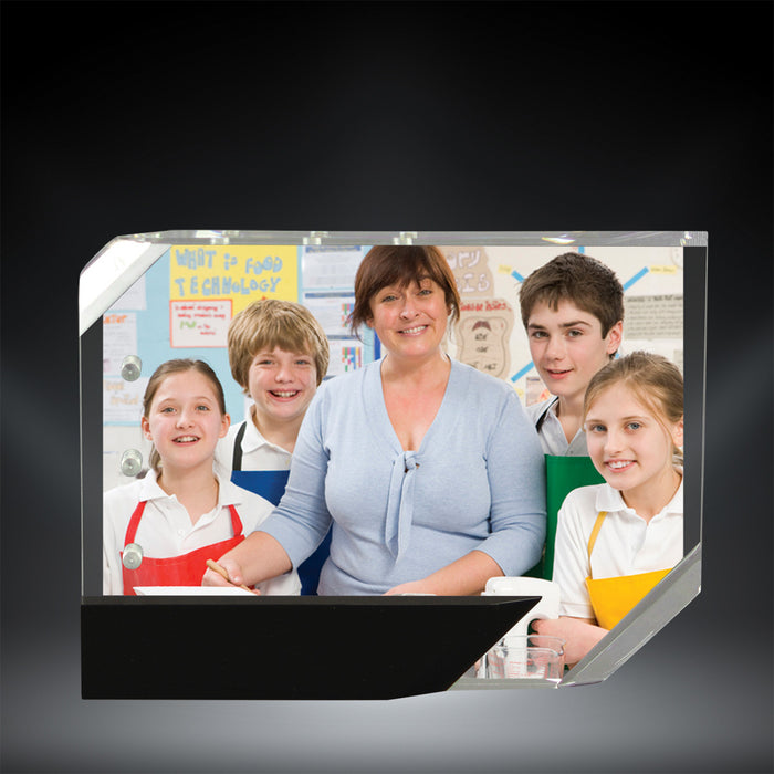 GreyStone Clear Magnetic Photo Frame with Black Accents, can be used both Horizontal and Vertically