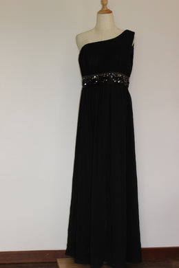 Black Gown Size 14 *CLEARANCE*