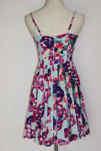 Load image into Gallery viewer, Alannah Hill 'My One And Only Frock' Size 6
