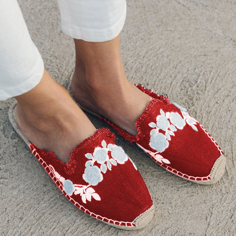 Women's Stylish Closed Toe Embroidered Espadrilles