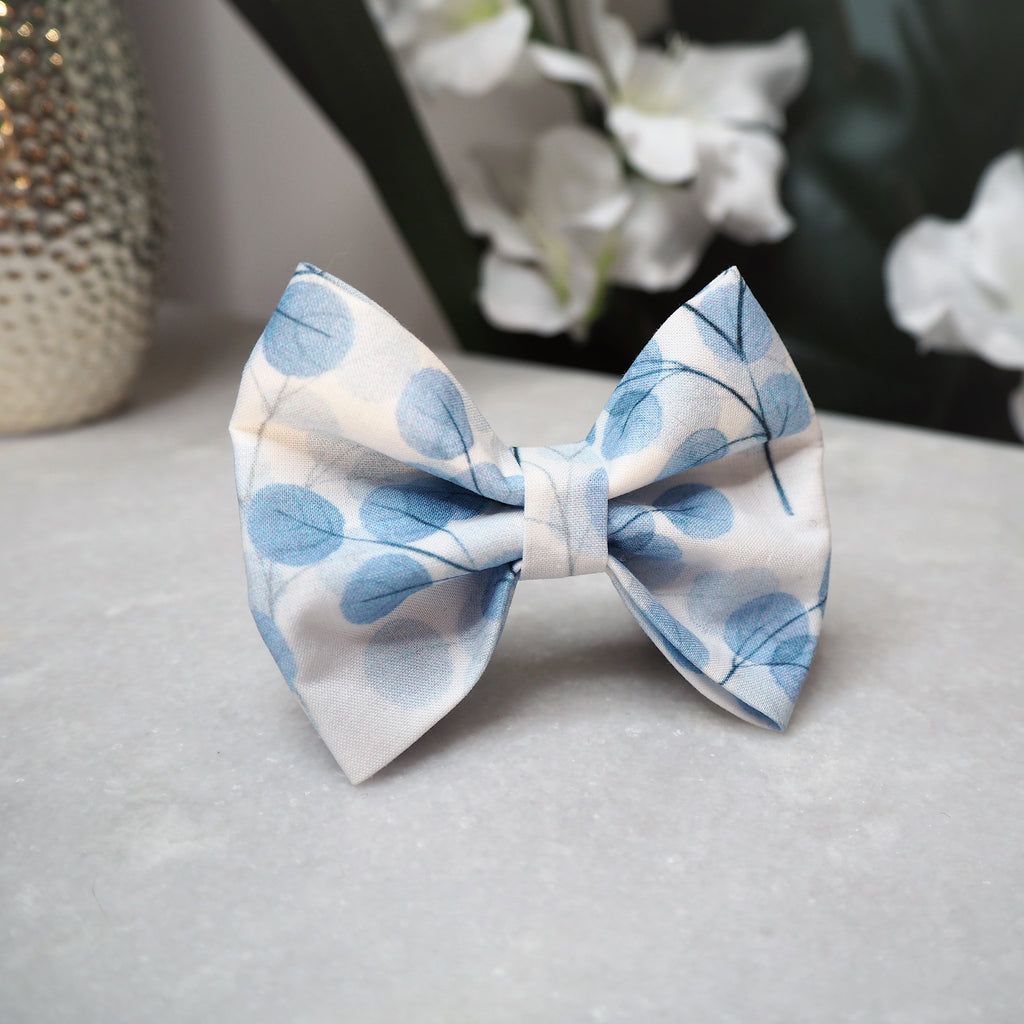 'Round Leaves' Bow Tie