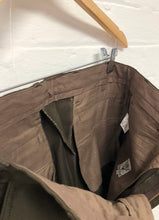 Load image into Gallery viewer, South2West8 3/4 brown pants <Br> size Small